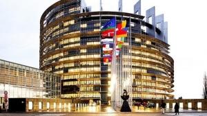 Il Parlamento Europeo cambia verso
